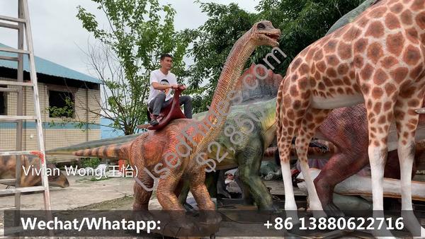 Brachiosaurus dinosaur kids ride