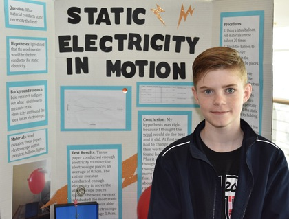 Static electricity in motion