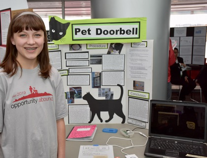 Pet doorbell
