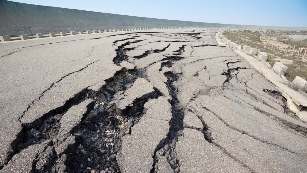 what are the effects of earthquakes on the environment