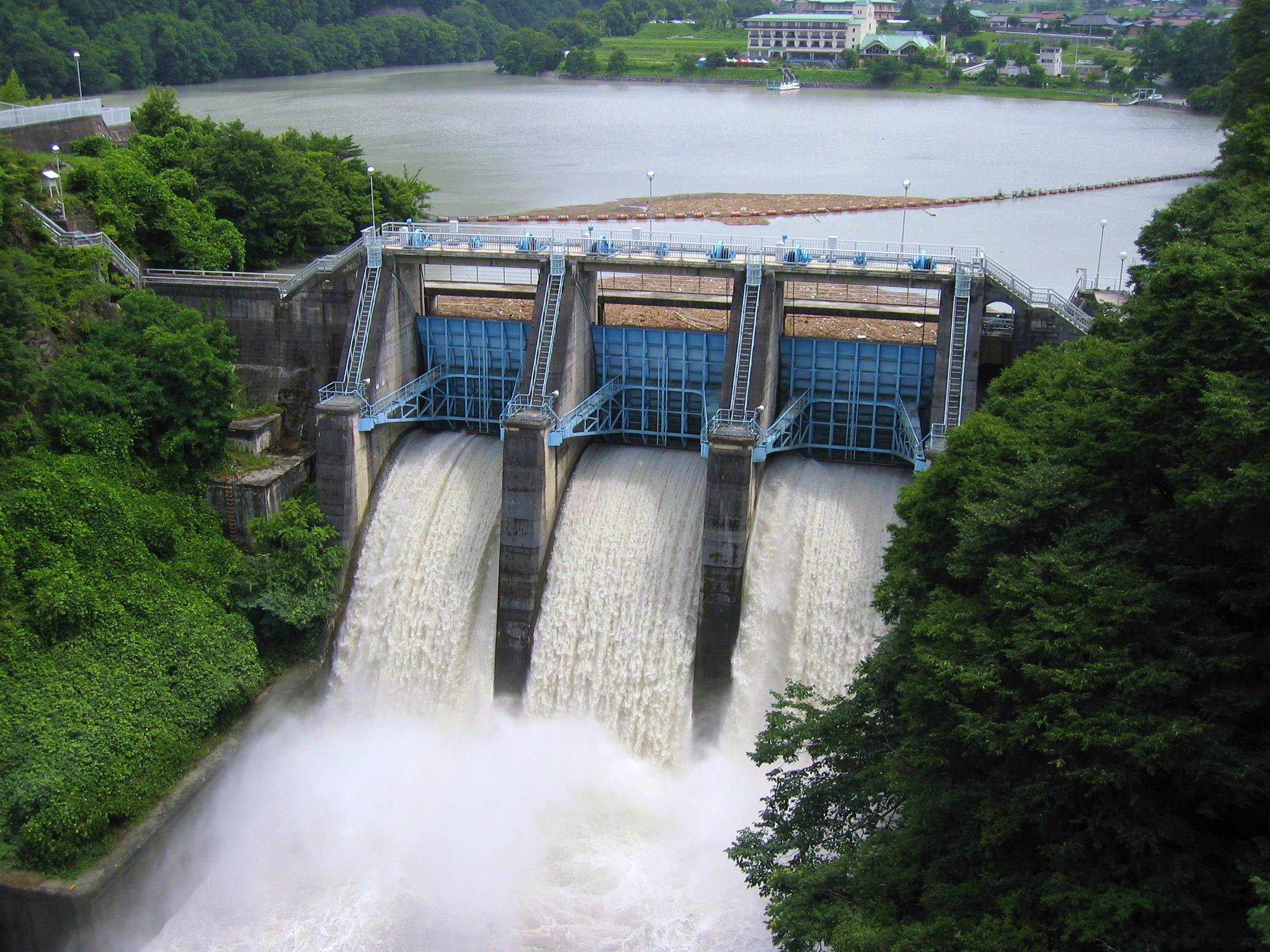 hydroelectric power - by derek tingle [infographic]