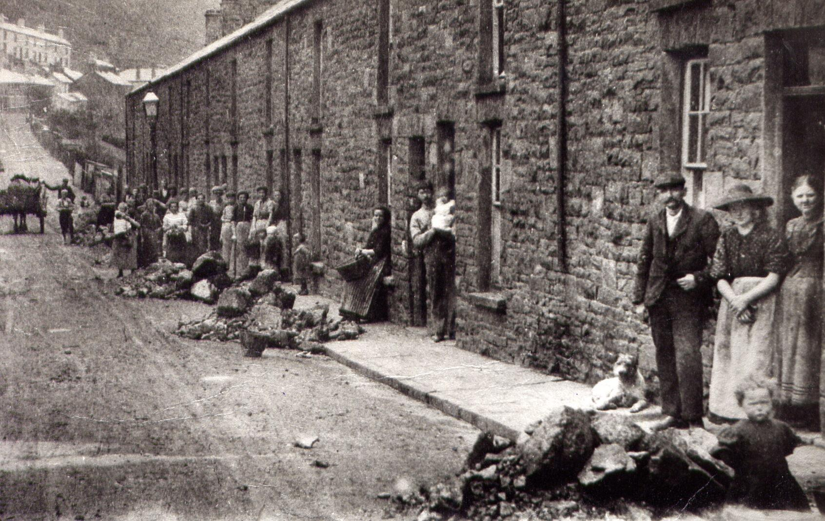 bad were living conditions poor newly industrilised towns Simply, the working conditions were terrible during the industrial revolution as factories were being built, businesses were in need of workers with a long line of people willing to work, employers could set wages as low as they wanted because people were willing to do work as long as they got paid.