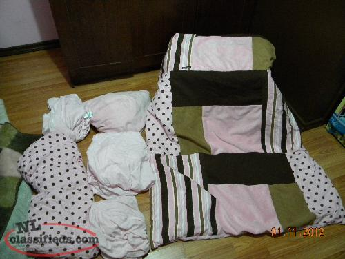 Girl's Crib/Toddler Bed Bedding