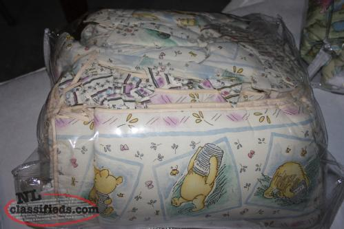 Classic Winnie the Pooh crib/toddler bedding with Mobile