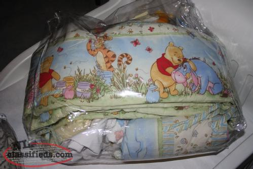 Winnie the Pooh crib/toddler bed bedding
