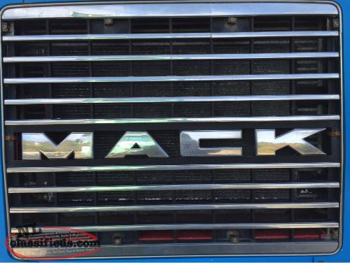 Mack truck mack truck grill photos of mack truck grill fandeluxe Image collections