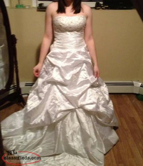 Newfoundland Wedding Dresses 15
