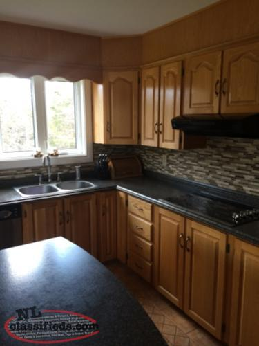For sale solid oak kitchen cabinets st philips for Oak kitchen units for sale