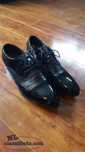 Mens dress shoes brand new.