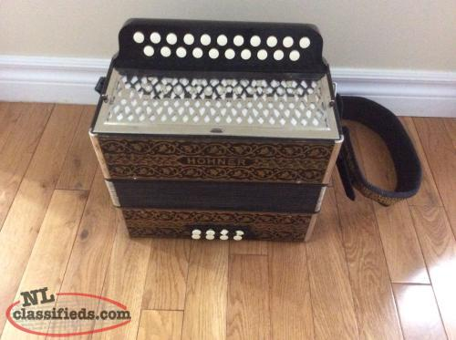 Hohner Pokerwork HA-2815 button accordion, GC.