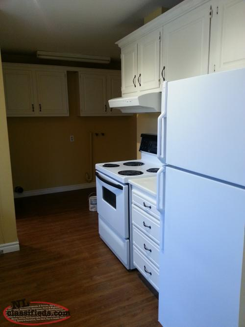 on quiet street in bay roberts washer and dryer hookup 850 pou
