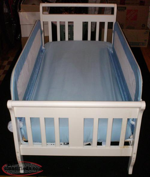 TODDLER BED COT WITH REMOVABLE SIDES