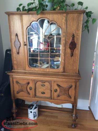 Beautiful solid wood hutch st john 39 s newfoundland for Dining room hutch canada