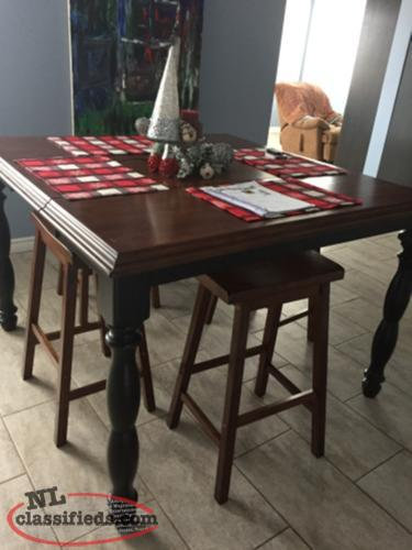 Solid Table Built In Leaf New St Johns Newfoundland