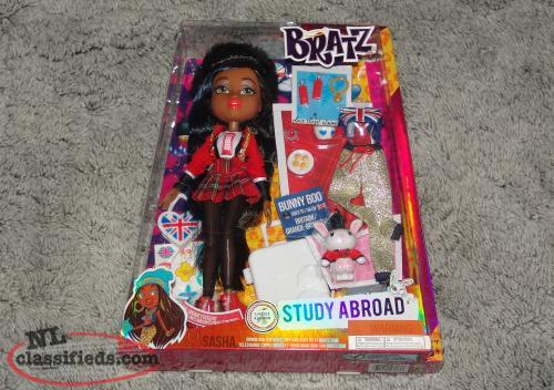 Bratz Study Abroad Doll New in Box Sasha Bunny Boo Britain