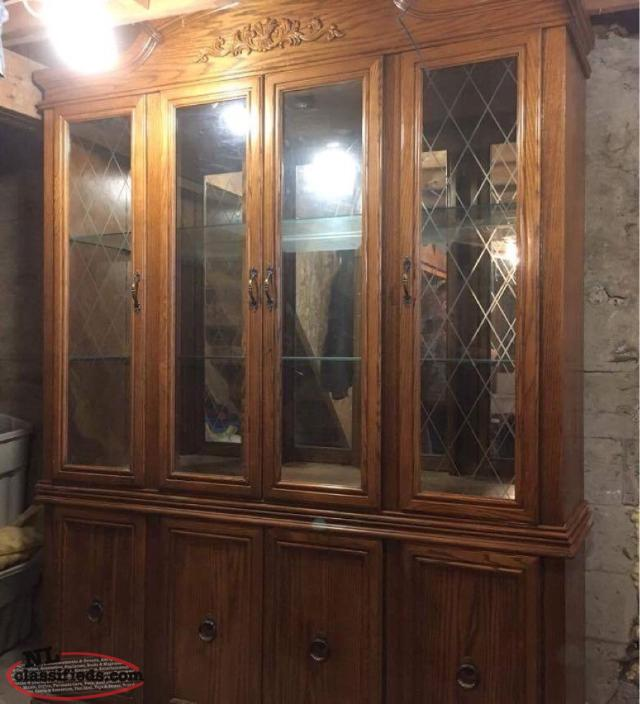 Large oak hutch with light clarke 39 s beach newfoundland for Dining room hutch canada