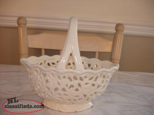 BEAUTIFUL CREAM COLORED BASKET DESIGN BOWL, UNIQUE & PERFECT CONDITION,