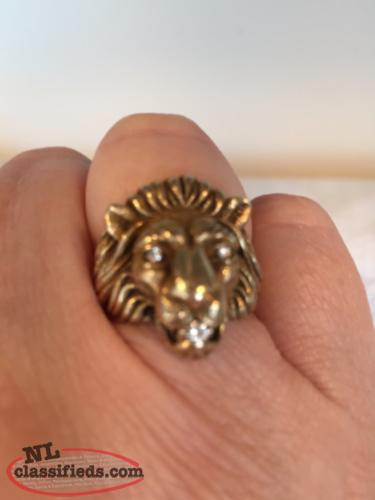14K gold and diamond lion ring