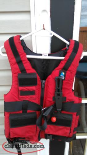 North Water life vest with Gerber knife made in Italy. like new. open to offers