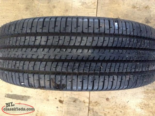 P215/70R15 Goodyear All Season Tire (Like New Condition)