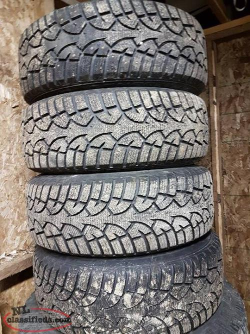 4 General Studded Winter Tires with Rims and Nissan Sensors 215/60R16