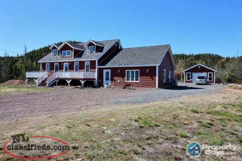 6 Bedroom Cape Cod in Fortune Harbour
