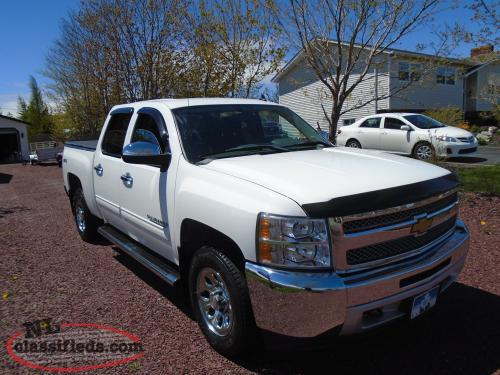 2012 CHEVY SILVERADO CREW CAB 4X4 PICK UP LOADED LOW MILEAGE MINT CONDITION