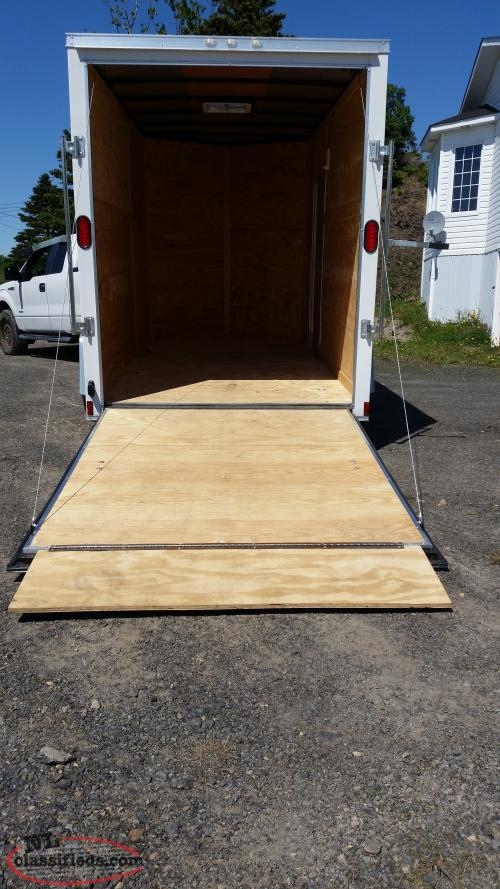 2017 enclosed trailer 6'x12'x7'