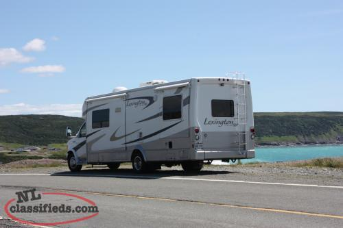 29 FT 2007 Lexington Forest River Motorohome, 26,800 KM
