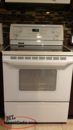 Whirlpool Gold white stove, approx 4 years old