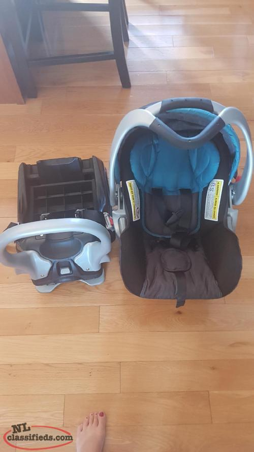 Baby Trend Infant Carrier/ Base