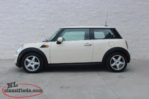 2008 mini MINT.LOW KMS. Never winter driven!!!