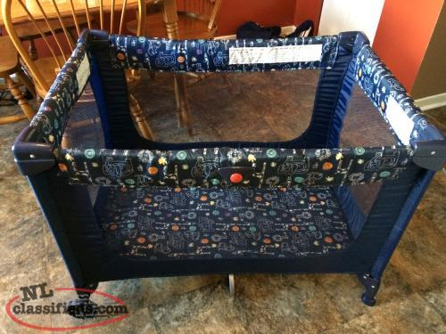 Playpen,Mesh Sides,Great anywhere, Compact,Folds, Great Condition