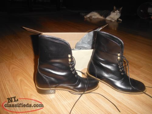 Ladies BRAND NEW SMALL leather boots