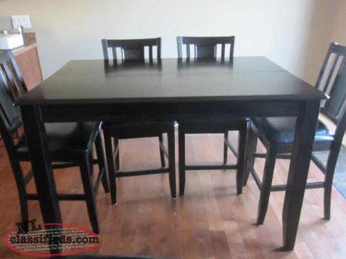 7 pc pub style table and chairs