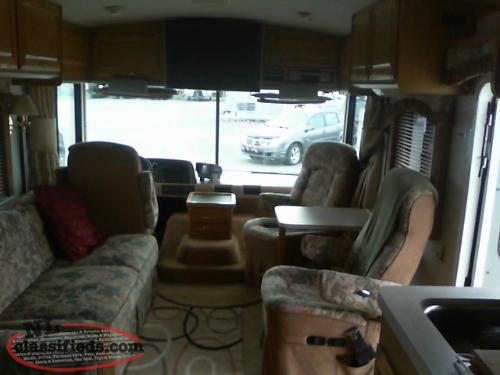1998 32' Fleetwood Bounder Very Clean ONLY 34,000 MILES !