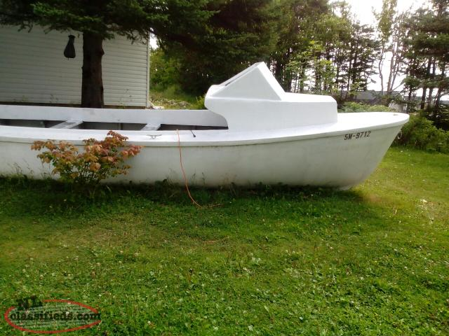 23' Fiberglass Fishing Boat