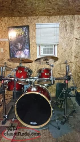 For Sale Mapex M-series Drumkit w/accessories