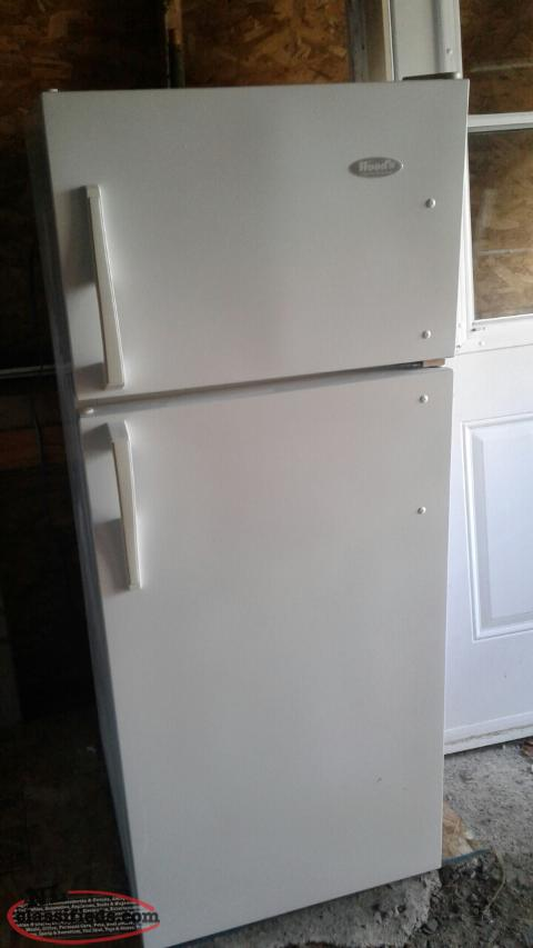 Apartment size Fridge and Stove
