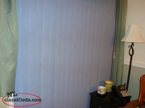 "THERMAL INSULATED FABRIC VERTICAL BLINDS 60"" X 84"" BLUE, DRAW TO RIGHT"