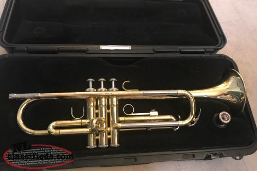 Yamaha ytr 2320 trumpet with hard case cbs newfoundland for Yamaha trombone case