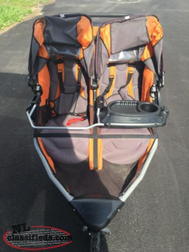 bob double stroller benoit 39 s cove newfoundland labrador nl classifieds. Black Bedroom Furniture Sets. Home Design Ideas
