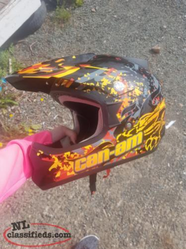 Helmet youth size Large