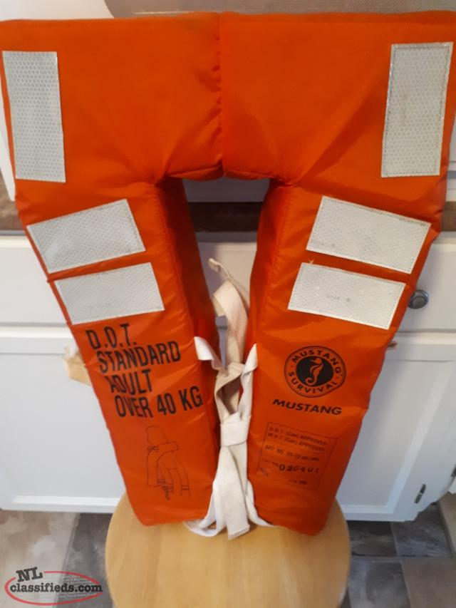 FOR SALE - NEW MUSTANG DOT APPROVED LIFE JACKET