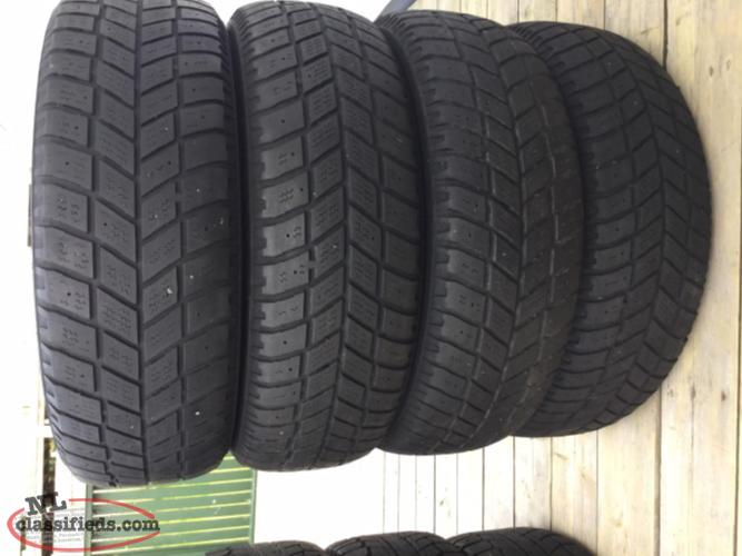 4 Winter tires 215 / 65 / 16 no studs