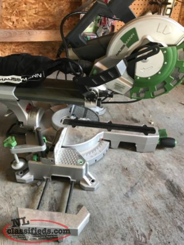 Compound mitre sliding saw