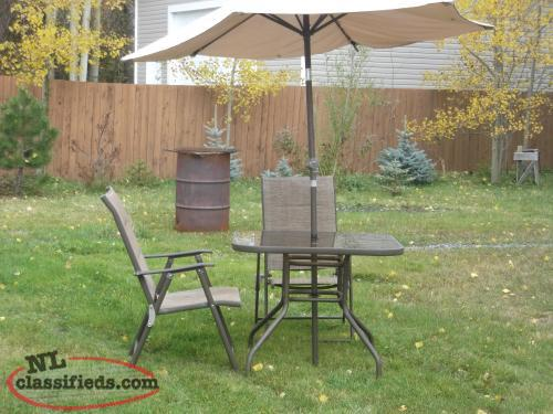 Luxury Patio table umbrella and chairs