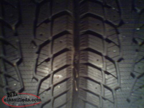 2 tires in good condition 185/65/14