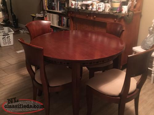 Cherry Wood Round Table and 4 Chairs