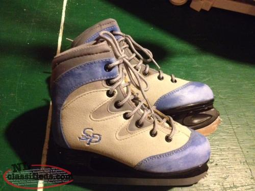 CCM 50 Skates Sz 2 Youth